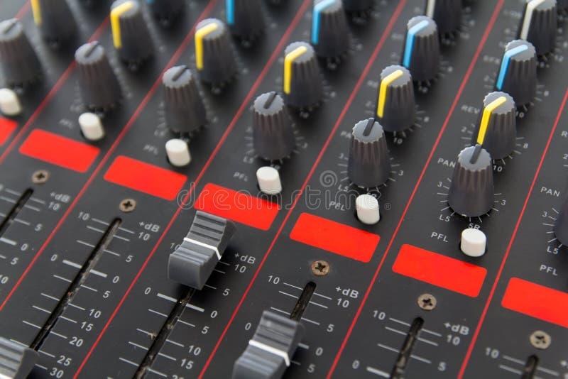Een deel van controle een audio correcte mixer stock afbeelding
