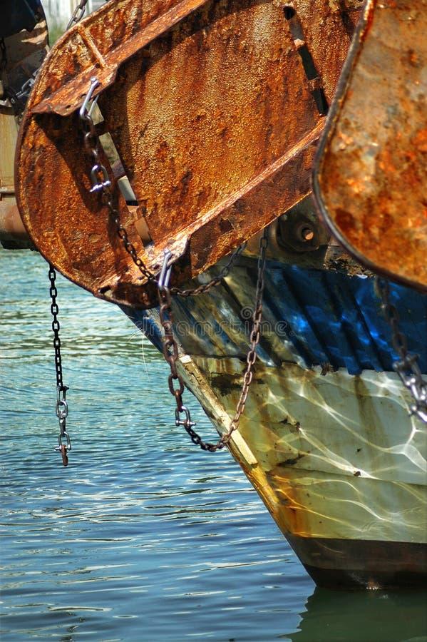 Een deel van de achtersteven van een vissersvaartuig stock foto