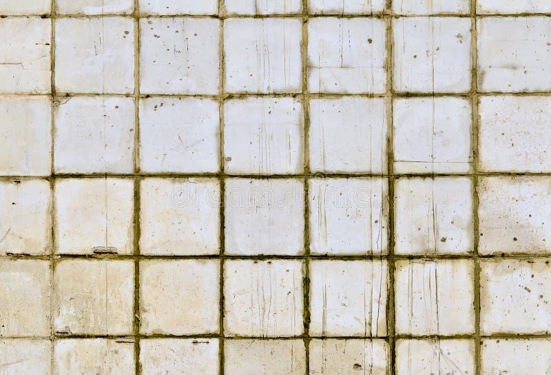 Een deel van de muur van witte tegels van het oude gebouw toning royalty-vrije stock afbeeldingen