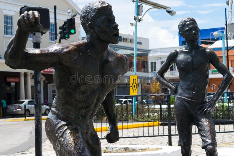Een deel van een gebeeldhouwd monument ter ere van Jamaicaanse Nationale Held Samuel Sharpe, in Sam Sharpe Square, Montego Bay va stock foto