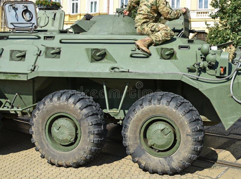 Een deel van een gepantserd militair voertuig stock foto