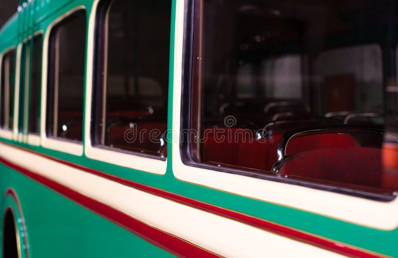 Een deel van groene retro bus royalty-vrije stock foto