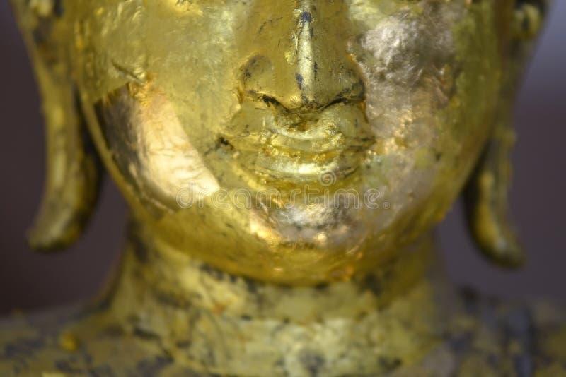 Een deel van het gezicht van gouden Boedha in Wat Khao Wong Saraburi royalty-vrije stock foto