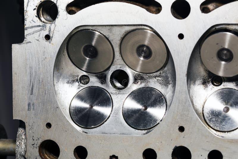 Een deel van motor van een auto, klep vier in hoofd royalty-vrije stock foto