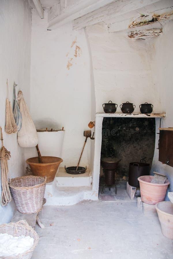 Een deel van oude keuken stock fotografie
