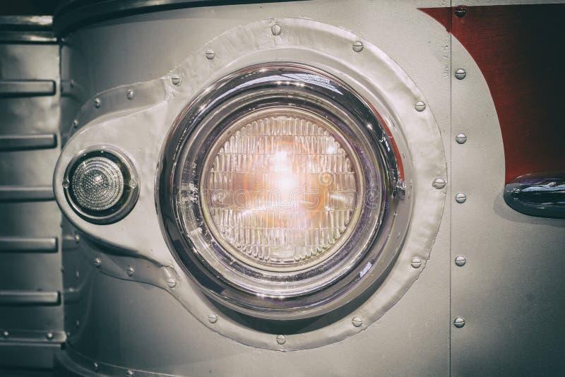 Een deel van retro stijlbus koplamp gestemd Selectieve nadruk royalty-vrije stock fotografie