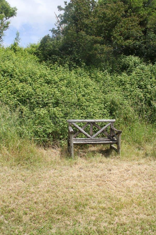 Een eenzame bank stock fotografie