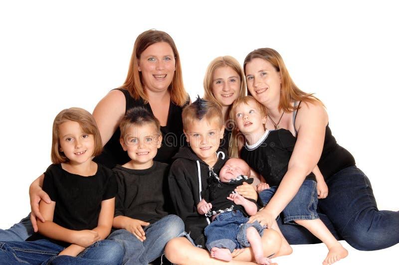 Een familie van acht mensen samen stock fotografie