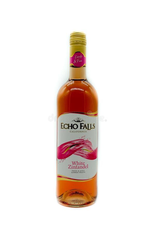 Een Fles van Echo Falls White Zinfandel Wine stock foto's