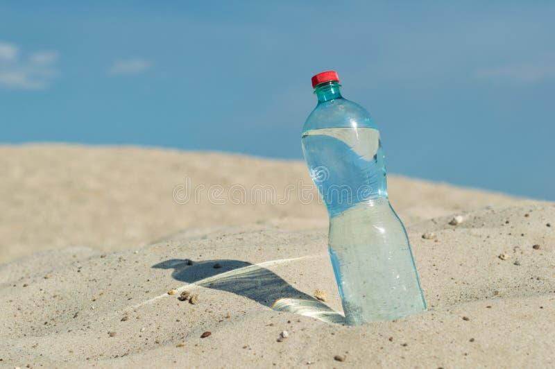 een fles water royalty-vrije stock foto's