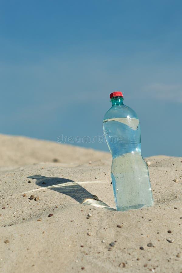 een fles water stock fotografie