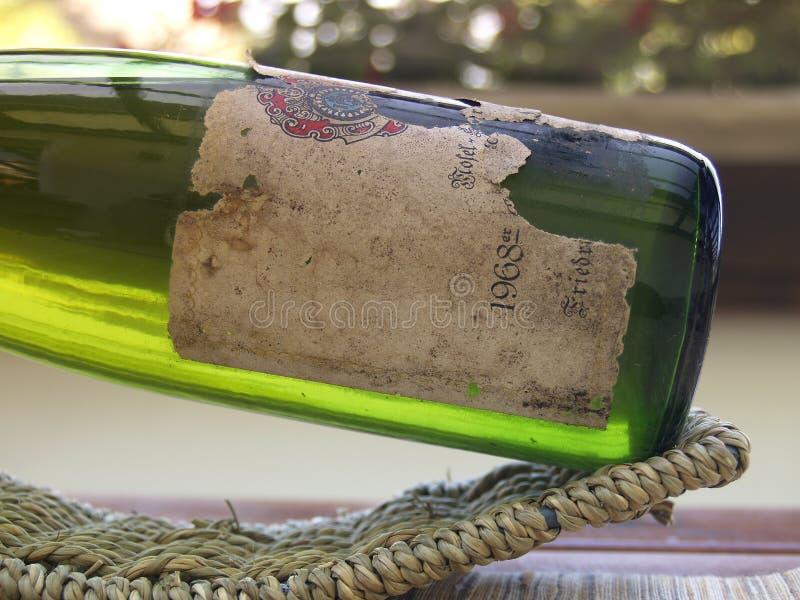 Een fles wijn vanaf 1968 stock afbeelding