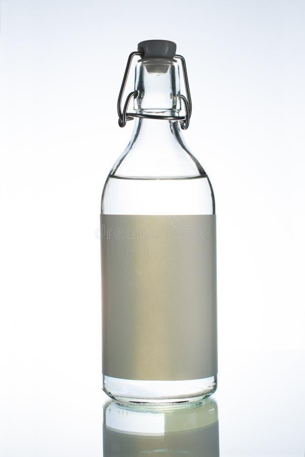 Een fles wodka bij de bar royalty-vrije stock foto