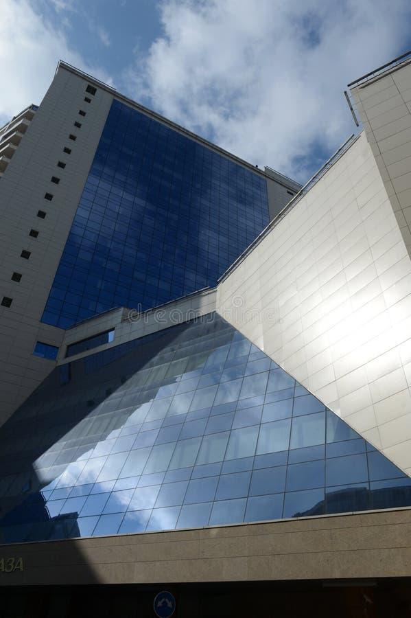 Een fragment van het winkelcentrum van Lotte Hotel Moscow en Lotte Plaza- royalty-vrije stock foto's