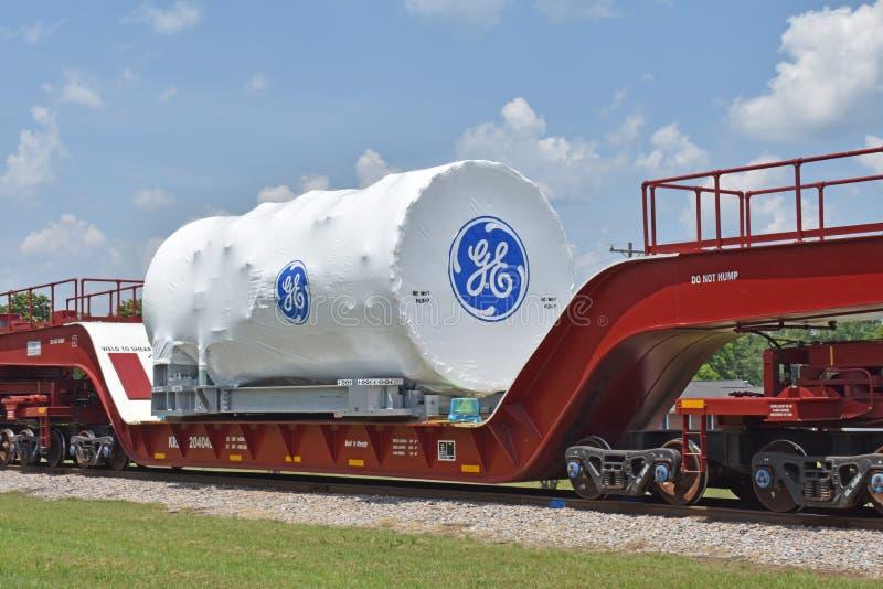 Een GE-turbine van het Machtsgas wordt vervoerd aan haven stock foto's