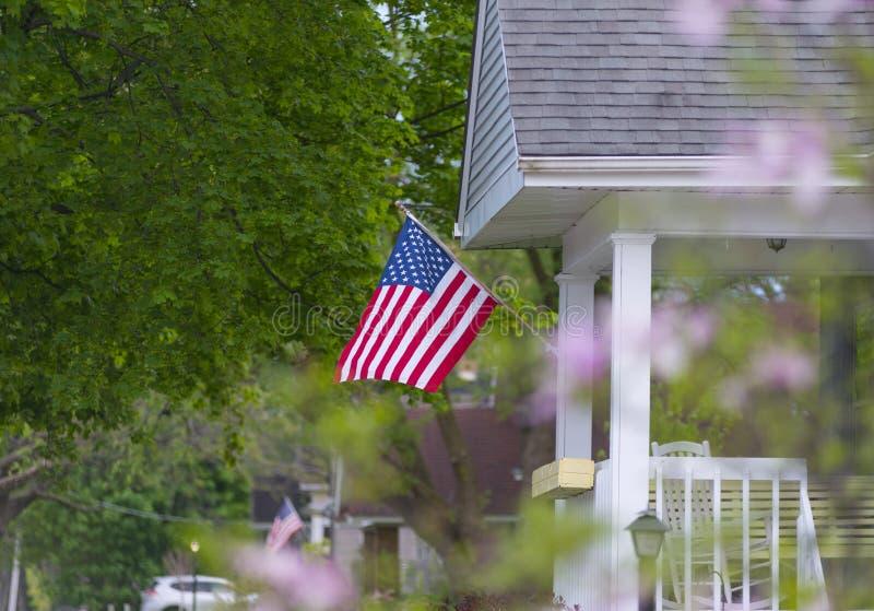 Een gemiddeld patriottisch huis stock foto