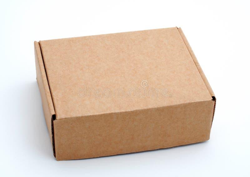 Een gesloten kartondoos stock foto