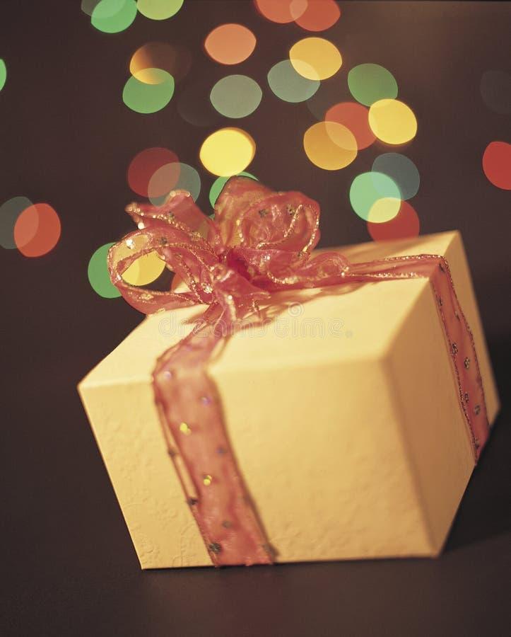 Download Een gift voor u stock afbeelding. Afbeelding bestaande uit verrassing - 291401