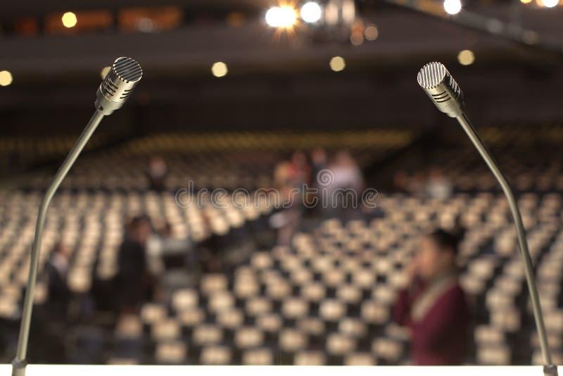 Een gitarist met microfoon op het stadium royalty-vrije stock foto