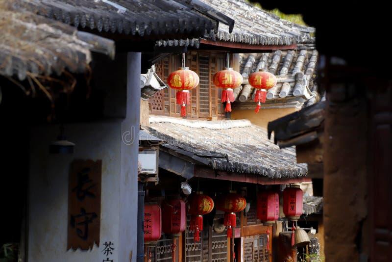 Een glimp van het dorp van Shaxi Deze stad is waarschijnlijk de meest intacte stad van de paardcaravan op de Oude theeroute stock afbeelding