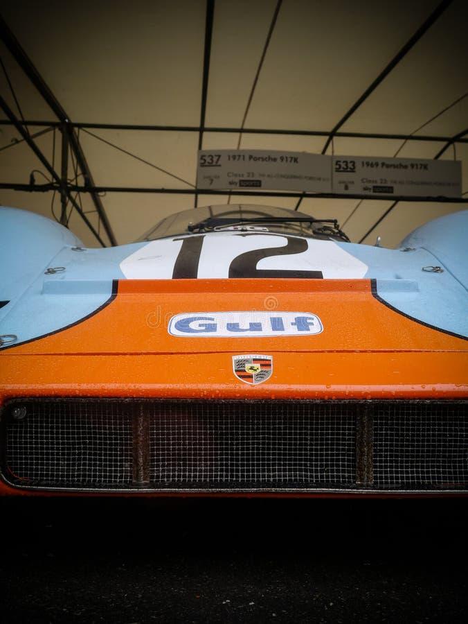 Een Golf Porsche 917 van 1969 Lage centrumvoorzijde plus embleem royalty-vrije stock foto's