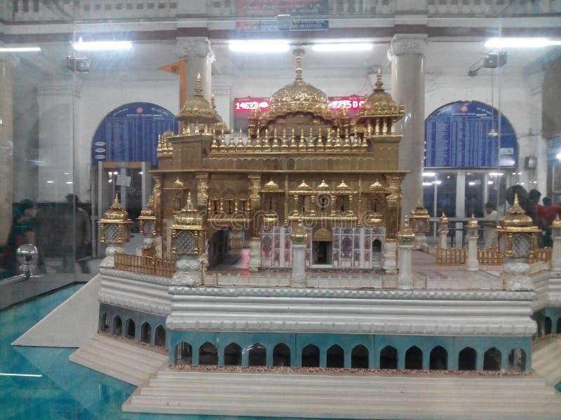 Een gouden tempelstructuur stock afbeelding
