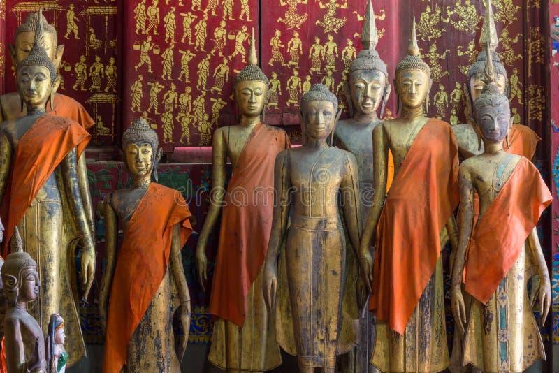 Een groep de standbeelden van Boedha (status) royalty-vrije stock afbeelding