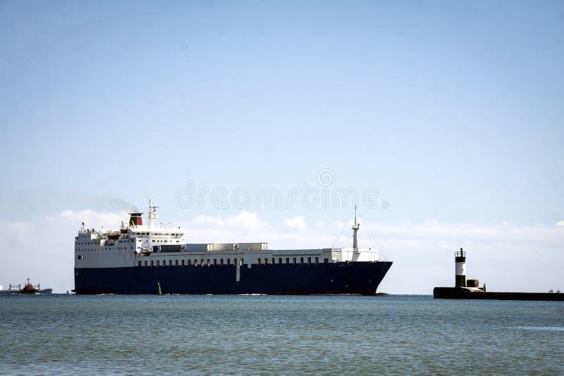 Een groot koopvaardijschip royalty-vrije stock foto