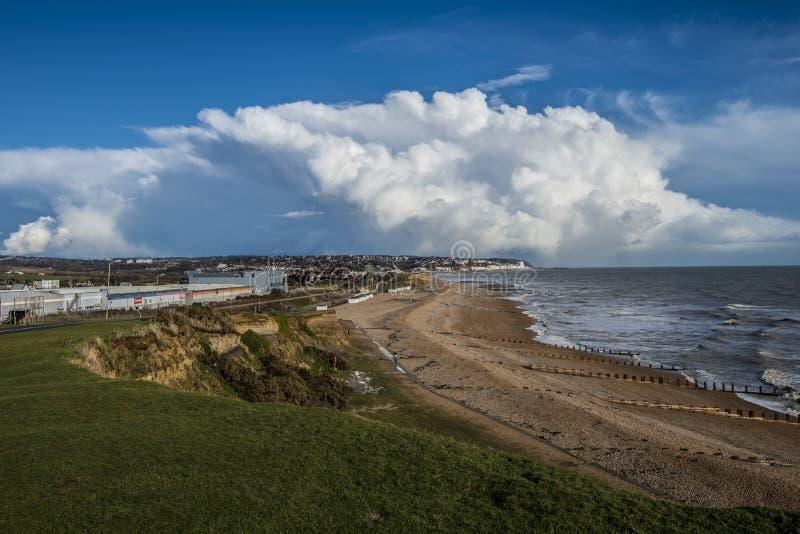 Een groot onweer heeft over Bexhill in Oost-Sussex, Engeland overgegaan stock afbeeldingen