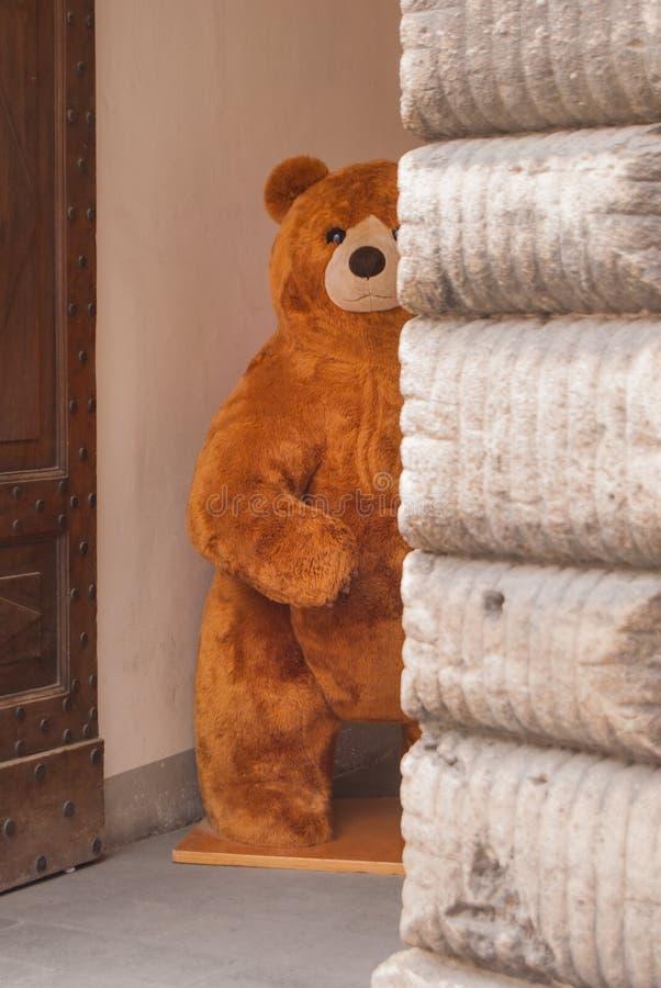 Een grote teddybeer stock fotografie