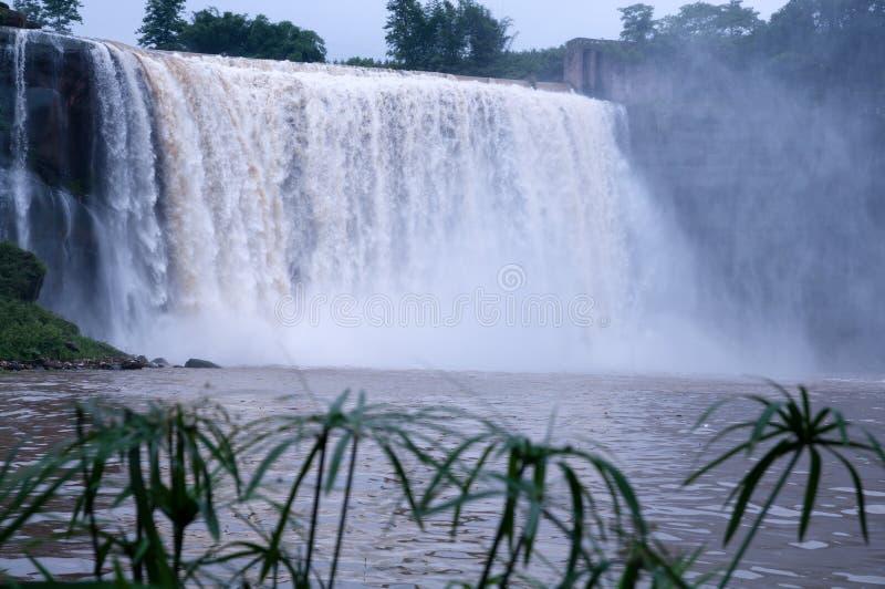 Een Grote Waterval Stock Foto