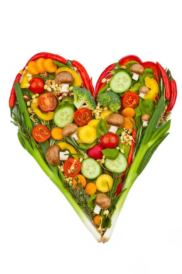 Een hart dat van groenten wordt gemaakt. het gezonde eten royalty-vrije stock afbeeldingen