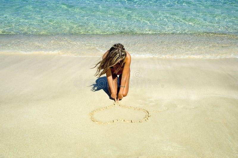 Een hart op een zand royalty-vrije stock foto's