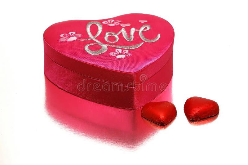 Een hart-vormige doos stock afbeelding