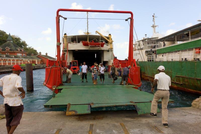 Een helling die op aankomst bij kingstownhaven worden verminderd royalty-vrije stock foto