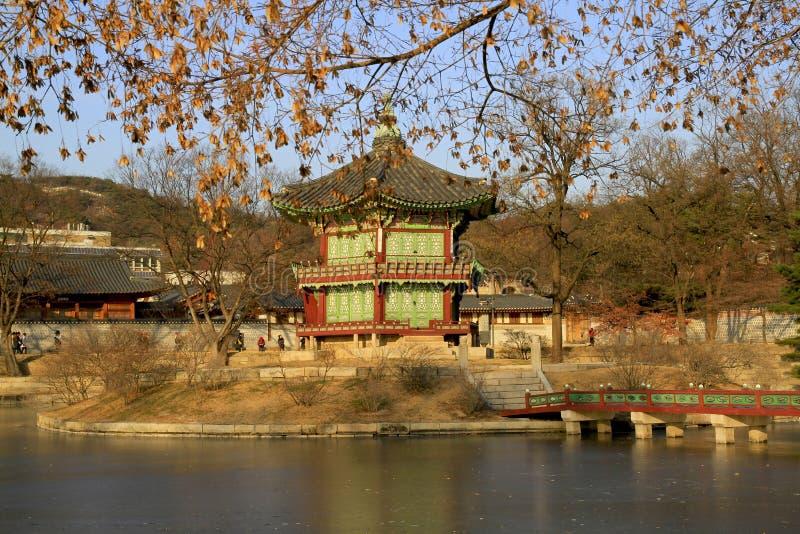 Een historische pavillion in Seoel, Korea. stock afbeeldingen