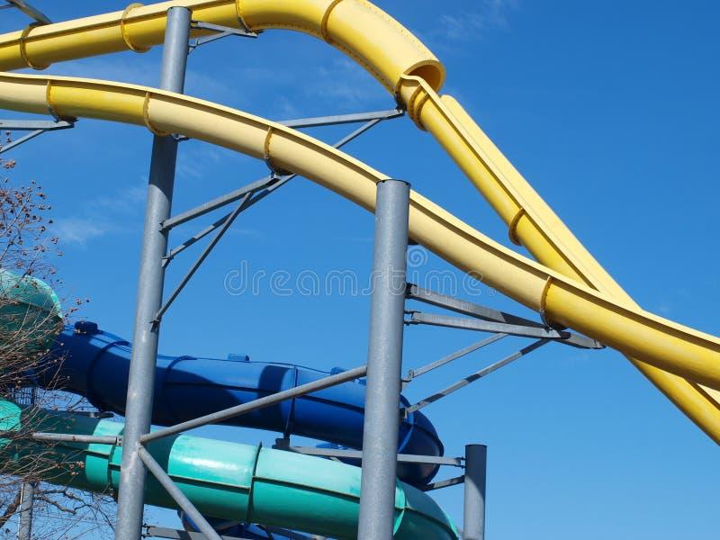 Download Een Hogere Looppas Aan Een Park Van De Waterdia Redactionele Fotografie - Afbeelding bestaande uit jaar, hoger: 107706597