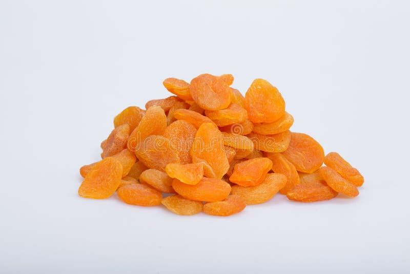 Een hoop van droge abrikozen stock fotografie