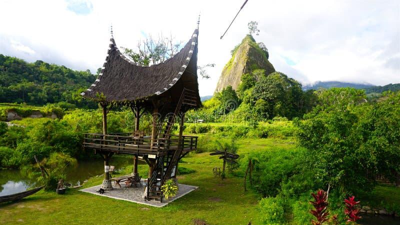 Een hut in het bos royalty-vrije stock foto
