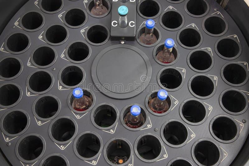 Een incubatorkamer voor hemocultureflessen stock afbeelding