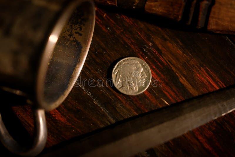Een Indisch nikkel stock foto's