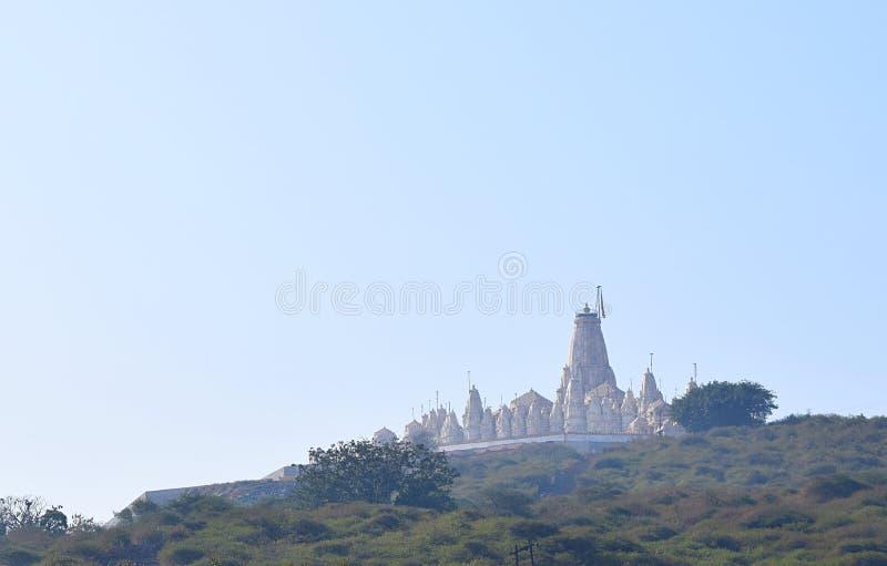 Een Jain-Tempel op Heuvel - Hastagiri, India royalty-vrije stock foto