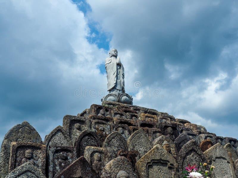 Een Japanse begraafplaats in Nara royalty-vrije stock fotografie