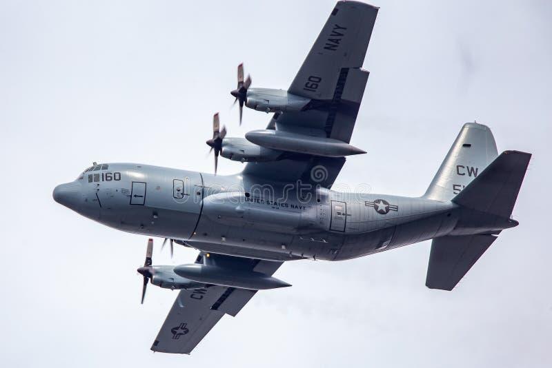 Een JMSDF c-130 Hercules tijdens de vlucht royalty-vrije stock fotografie