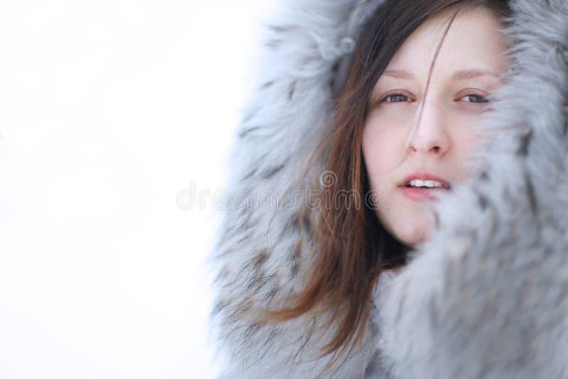 Een jonge vrouw stock foto