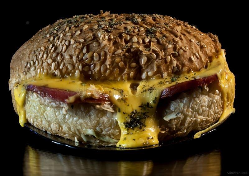 Een kaassandwich voor ontbijt stock fotografie