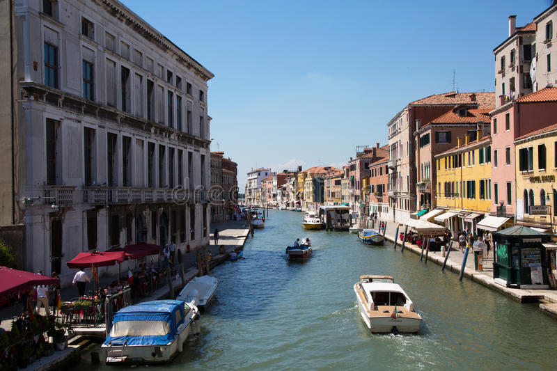 Een kanaal in Venetië stock fotografie