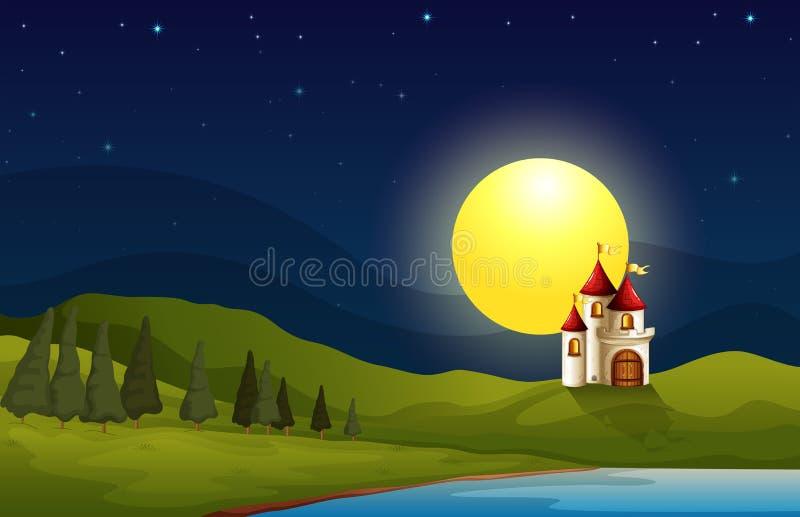 Een kasteel bij de heuvel onder een heldere maan royalty-vrije illustratie