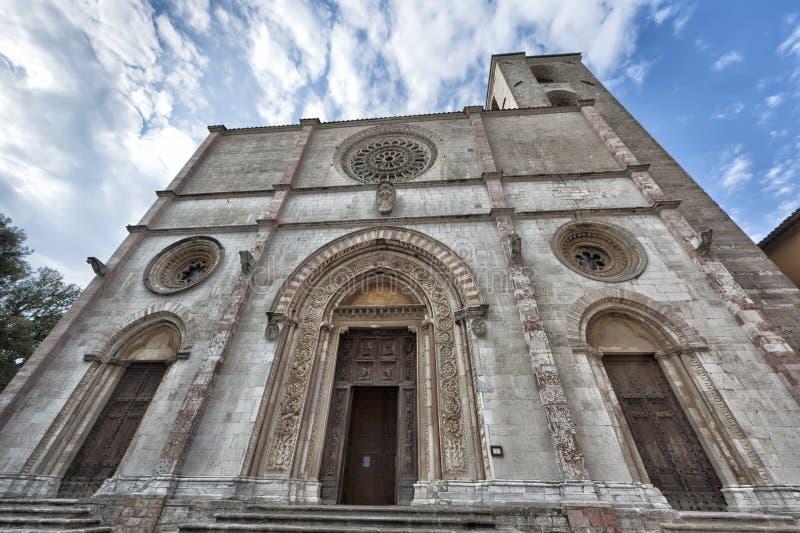 Een kerk in Todi, Umbria Italy-mening stock afbeelding