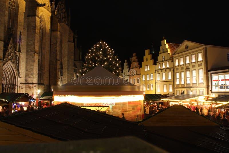 Een Kerstmismarkt stock afbeeldingen